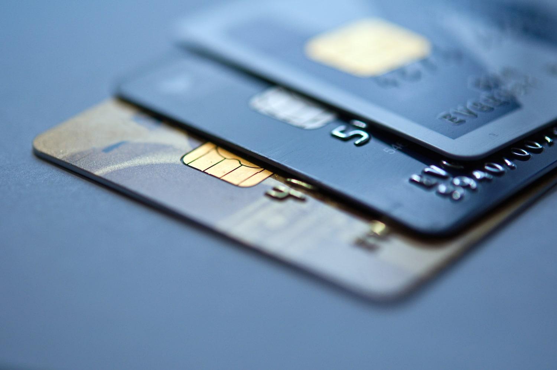 10 признаков того, что вы приобрели нужную дебетовую карту для заправок на АЗС